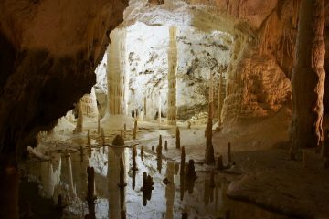Visitare grotte in Italia